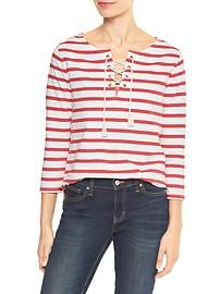 Three-quarter sleeve tassel tee