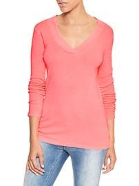 Favorite crossover V-neck long-sleeve tee