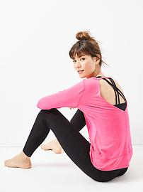 GapFit gBalance open-back long-sleeve tee