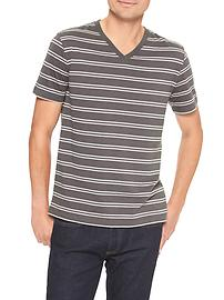Everyday stripe V-neck tee