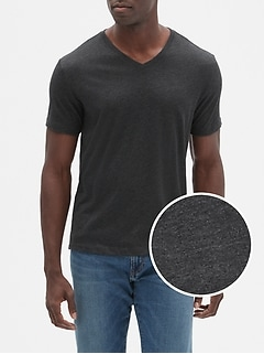 Everyday V-neck tee