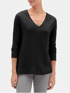 Easy Long Sleeve Swing V-Neck T-Shirt