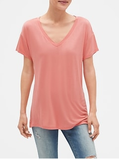 Short Sleeve V-Neck T-Shirt in Luxe Jersey