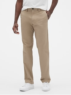 Khakis in Straight Fit with GapFlex