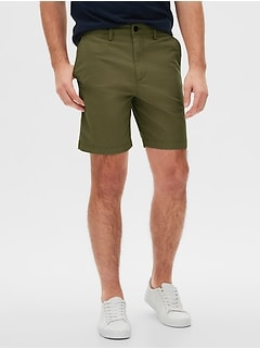 "8"" Khaki Shorts in Slim Fit"